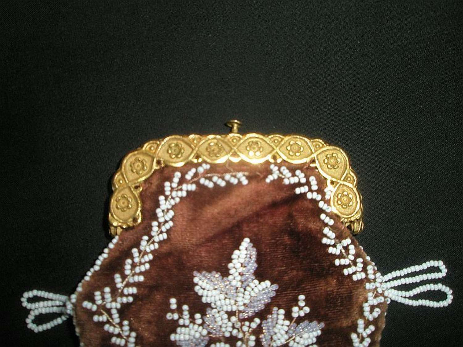 Regency soft red velvet purse with white beading ca. 1820