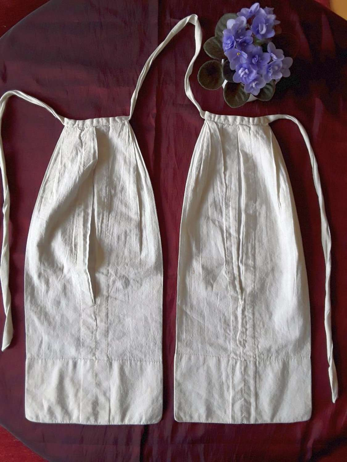 A good pair of early 19th century pockets. French or English